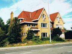 Twee gekoppelde villa's