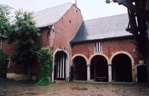 Sint-Pieters-Leeuw Bergensesteenweg 711
