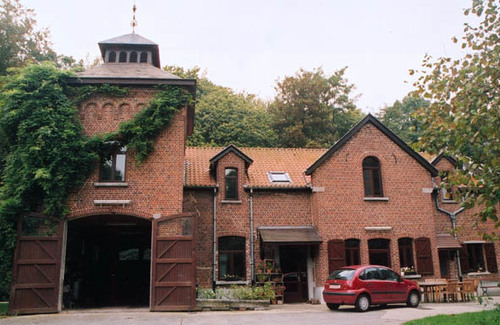 Sint-Pieters-Leeuw Konijnestraat 172 hoeve