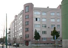Sociaal woonblok ontworpen door Hugo Van Kuyck