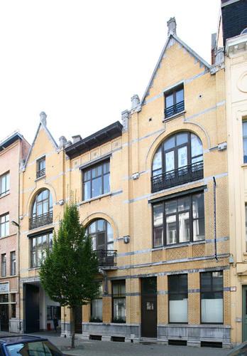 Antwerpen Lovelingstraat 6-8 en Sint-Willibrordusstraat 39