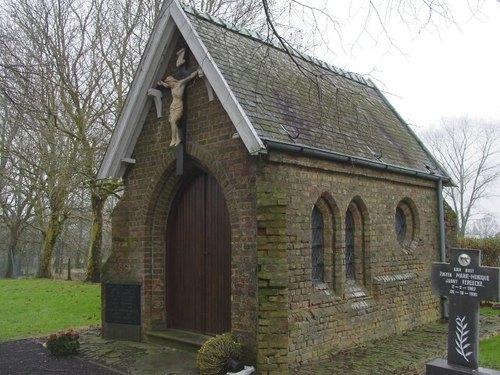 Oostkerke: Kerkhof: Kapel Vooroorlogse Kerk: algemeen