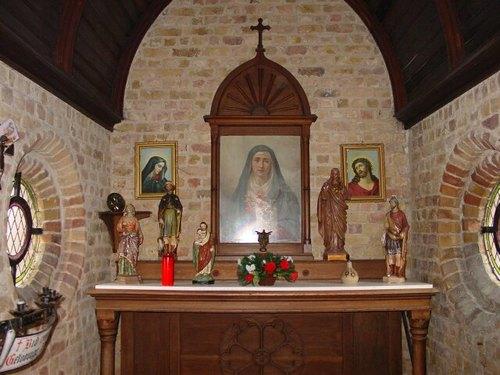 Oostkerke: Kerkhof: Kapel Vooroorlogse Kerk: Binnenruimte