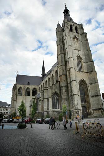 Mechelen Onze-Lieve-Vrouwekerkhof zonder nummer