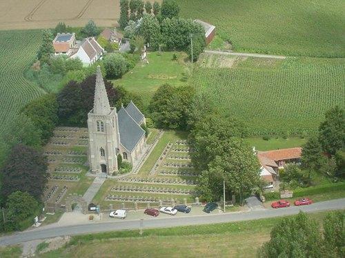 Parochiekerk Sint-Apollonia met Belgische militaire begraafplaats Oeren