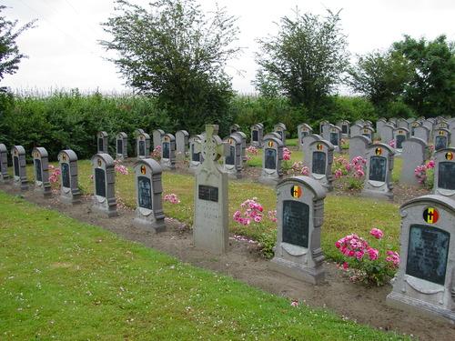 West-Vleteren: Belgische Begraafplaats: Heldenhuldezerk en Belgische grafzerken