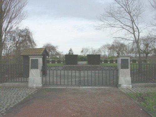 Keiem: Belgische Begraafplaats: Ingang