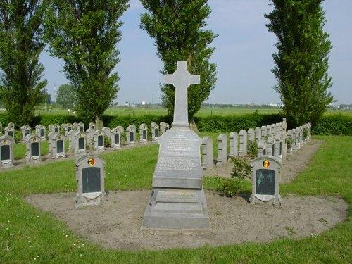Steenkerke: Belgische Begraafplaats: Graf
