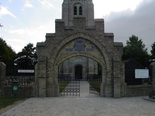 Alveringem Oerenstraat zonder nummer Ingang van de Belgische militaire begraafplaats te Oeren