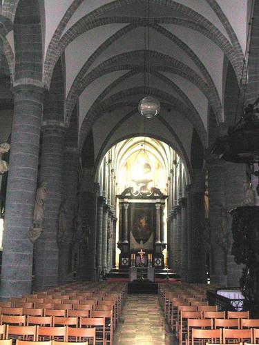 Jozef Vandaleplein z.nr. Sint-Maartenskerk