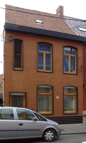 Roeselare Albrecht Rodenbachstraat 61