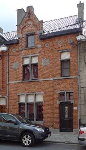 Roeselare Albrecht Rodenbachstraat 75