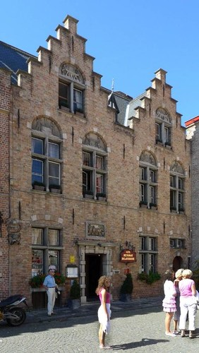 Brugge Huidenvettersplein 12