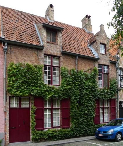 Brugge Sint-Gilliskerkhof 2