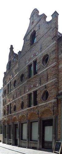 Brugge Wapenmakersstraat 1-3