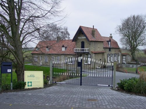 Nieuwkapelle: Ijzerdijk 18: Villa Marietta