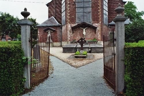 Hamme Dorp zonder nummer oud kerkhof