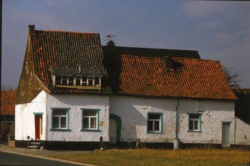 Sint-Pieters-Leeuw, Kapellestraat 14