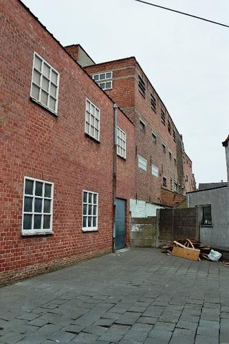 Zele Kouterstraat achter 17 magazijnen