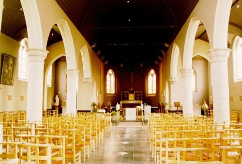 Wetteren Dorpsplein zonder nummer Interieur van de Sint-Martinuskerk