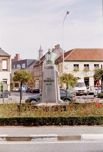Wetteren Felix Beernaertsplein Standbeeld van Felix Beernaerts