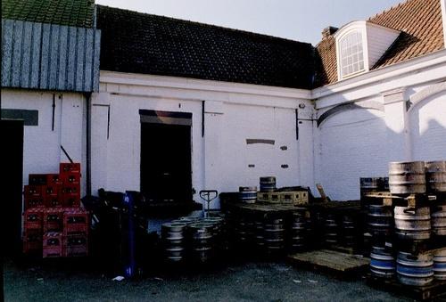 Wetteren Florimond Leirensstraat 10-12 Stallingen