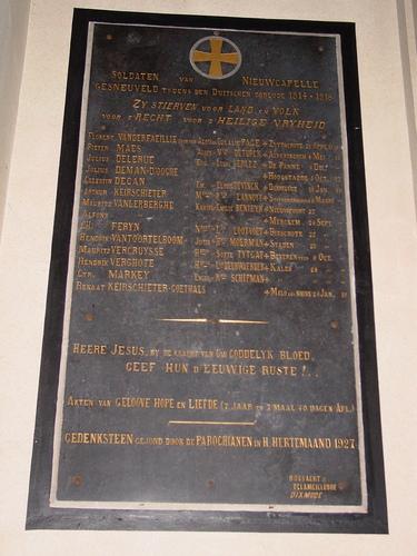 Nieuwkapelle: kerk: gedenkplaat militairen