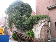 Leuven Eerste stadsomwalling Minderbroedersstraat 2 (https://id.erfgoed.net/afbeeldingen/120406)