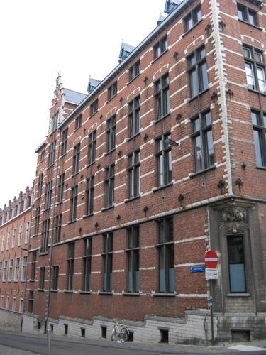 Leuven Naamsestraat 100, 100A, Schapenstraat 41 gevel Karmelietenberg