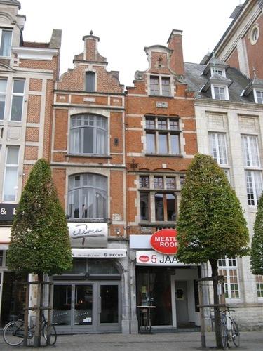 Leuven Oude Markt 11-12