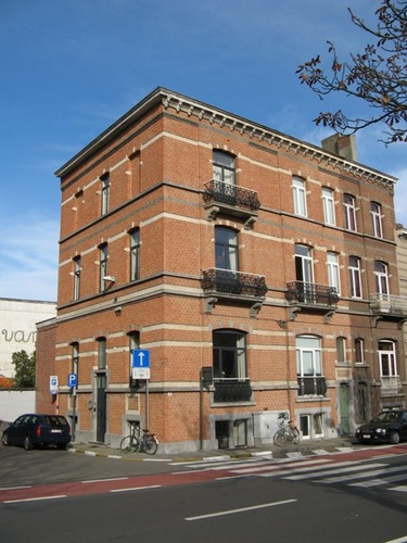 Leuven Geldenaaksevest 44-46, Dekenstraat 89