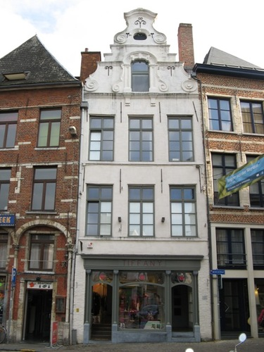 Leuven Vismarkt 1