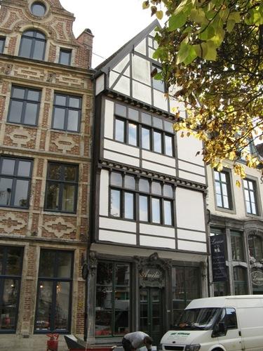 Leuven Vismarkt 5