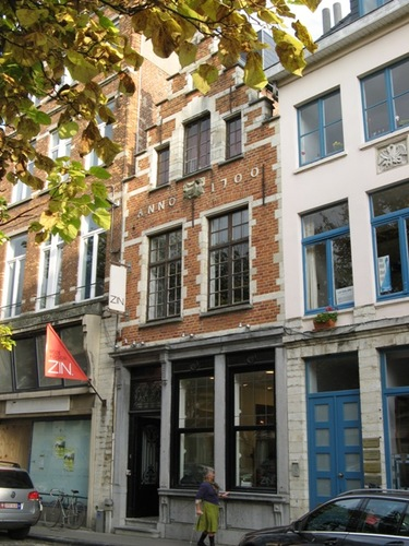 Leuven Vismarkt 9