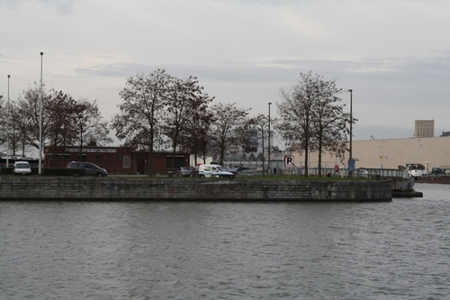 Antwerpen Asiadok, zicht op doorgang naar Houtdok