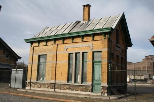 Antwerpen Royerssluis zonder nummer  Dienstgebouw bij Royersluis