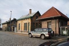 Wachthuisjes Loodswezen en electriciteitscabine bij Royerssluis