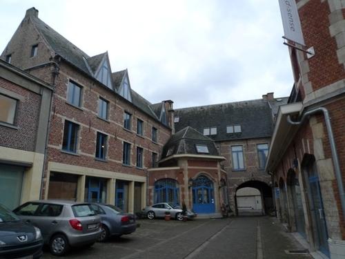 Leuven Sint-Maartenstraat 10-12 binnenkoer