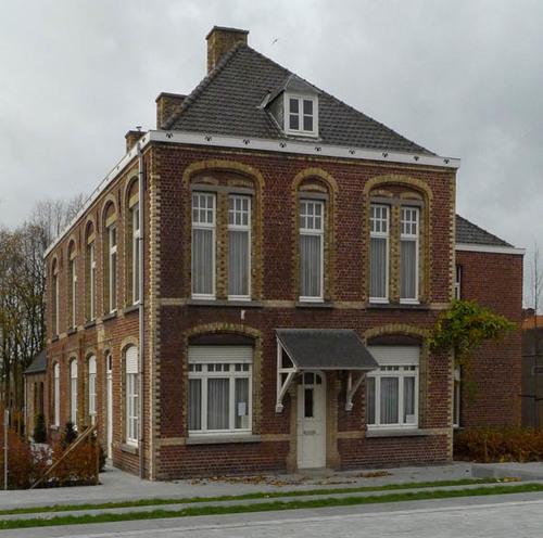 Staden Dorpsplein 1
