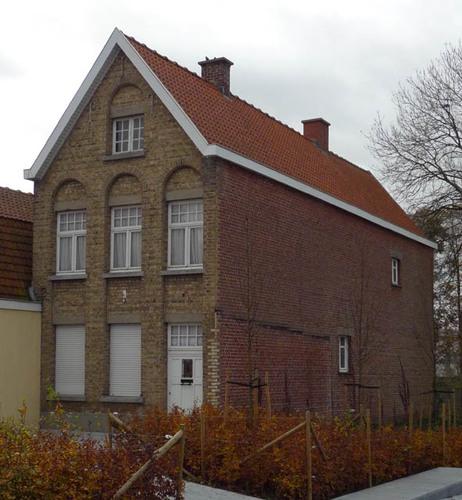 Staden Dorpsplein 2