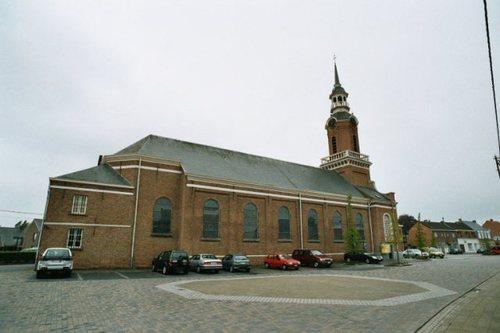 Hamme Zogge zonder nummer kerk zijgevel