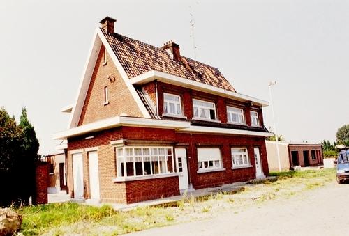 Dendermonde Mespelarestraat 100-100A-B