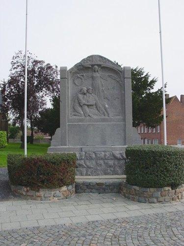 Beselare Beselareplaats zonder nummer Gedenksteen militaire slachtoffers