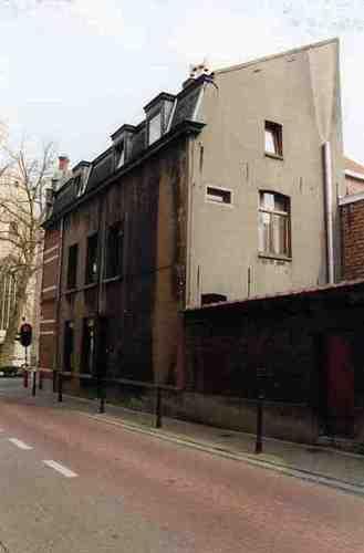 Dendermonde Kerkstraat 93, hoek Prudens Van Duysestraat 1