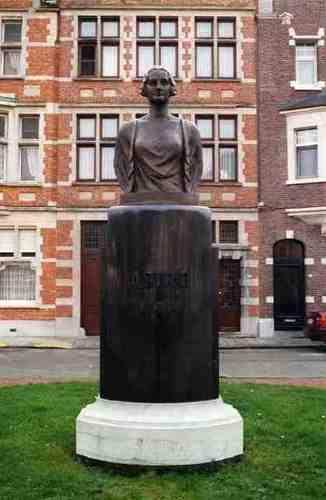 Dendermonde Koningin Astridlaan zonder nummer Borstbeeld van Koningin Astrid