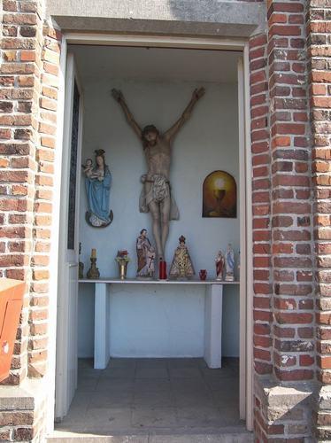 Ardooie Izegemsestraat zonder nummer interieur van de kapel bij nummer 119