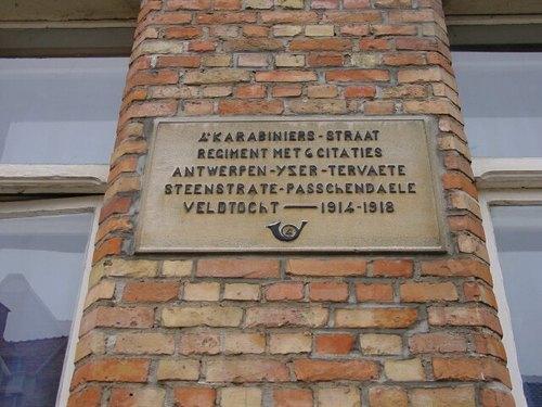Passendale: Gedenkplaat Vierde Karabiniersstraat