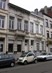 Twee neoclassicistische burgerhuizen