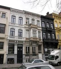Rij neoclassicistische burgerhuizen