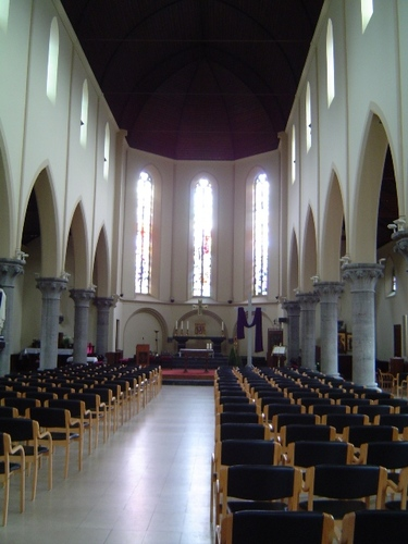 Izegem Roeselaarsestraat 55 Interieur van de parochiekerk Heilig Hart